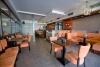 kavárenské stoly, židle a sedací boxy
