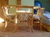 Ratanový stolek + 2 ratanové židle