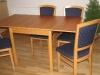 Prodám rozkládací jídelní stůl a 4 židle